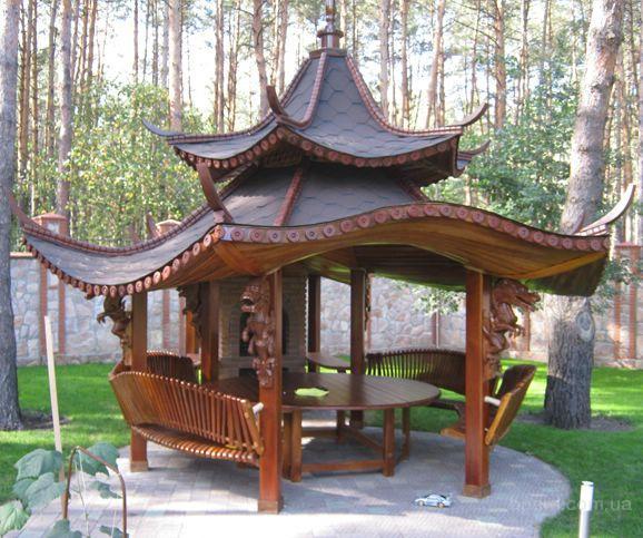 деревянная беседка-пагода
