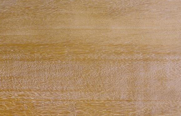 благородная патина на древесине гарапы