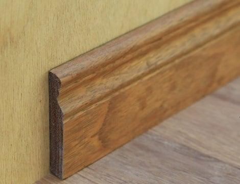 плинтус из древесины мербау